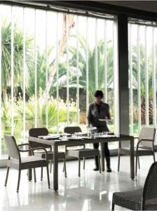 Mesa y sillas interior detalle, catalogo out Gabar