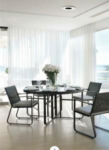 Mesa redonda con sillas a conjunto, catalogo out Gabar