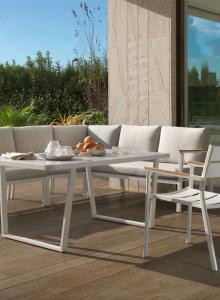 Mesa, sofá y sillas exterior blancas, catalogo out 2019 Gabar